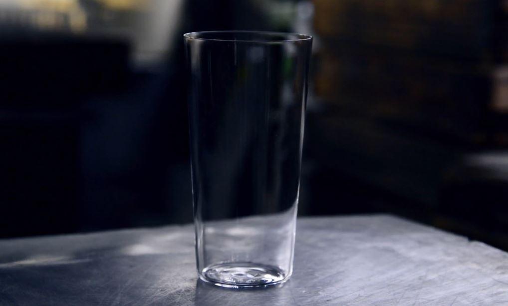 当選したうすはりグラス(2個セットで税抜き3500円)